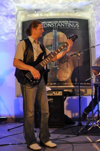 constantinus-2011-12